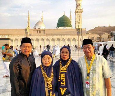 hpttourtravel.com-Testimony-dr-Haryadi-Ahmad-n-Keluarga