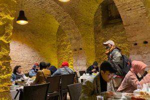 hpttourtravel.com-restaurant-unik (3)